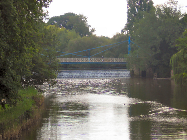 Weir on river at Leamington Spa