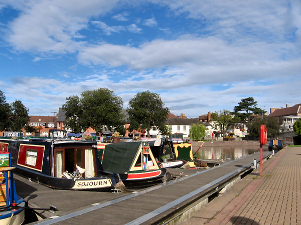 Sojourn moored in Bancroft Basin Stratford on Avon