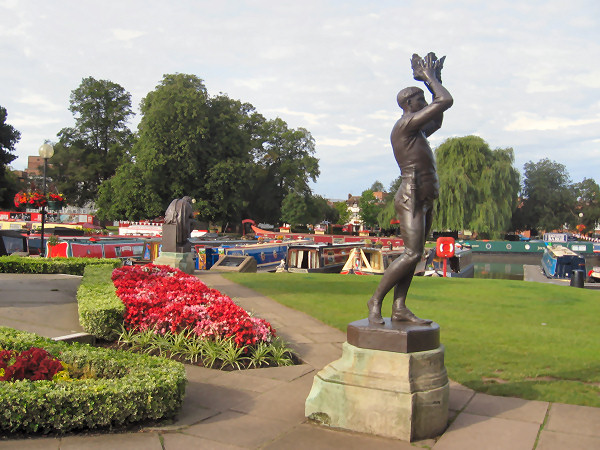 Statue of Prince Hal at Stratford on Avon