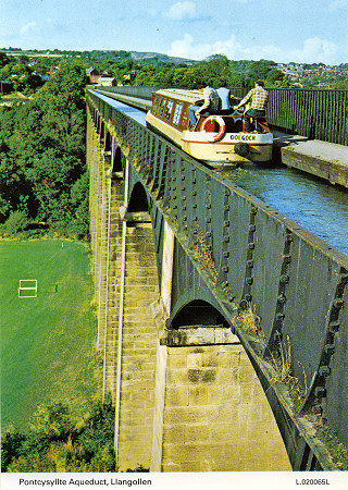 Good guidebook view of Pontcysyllte Aqueduct